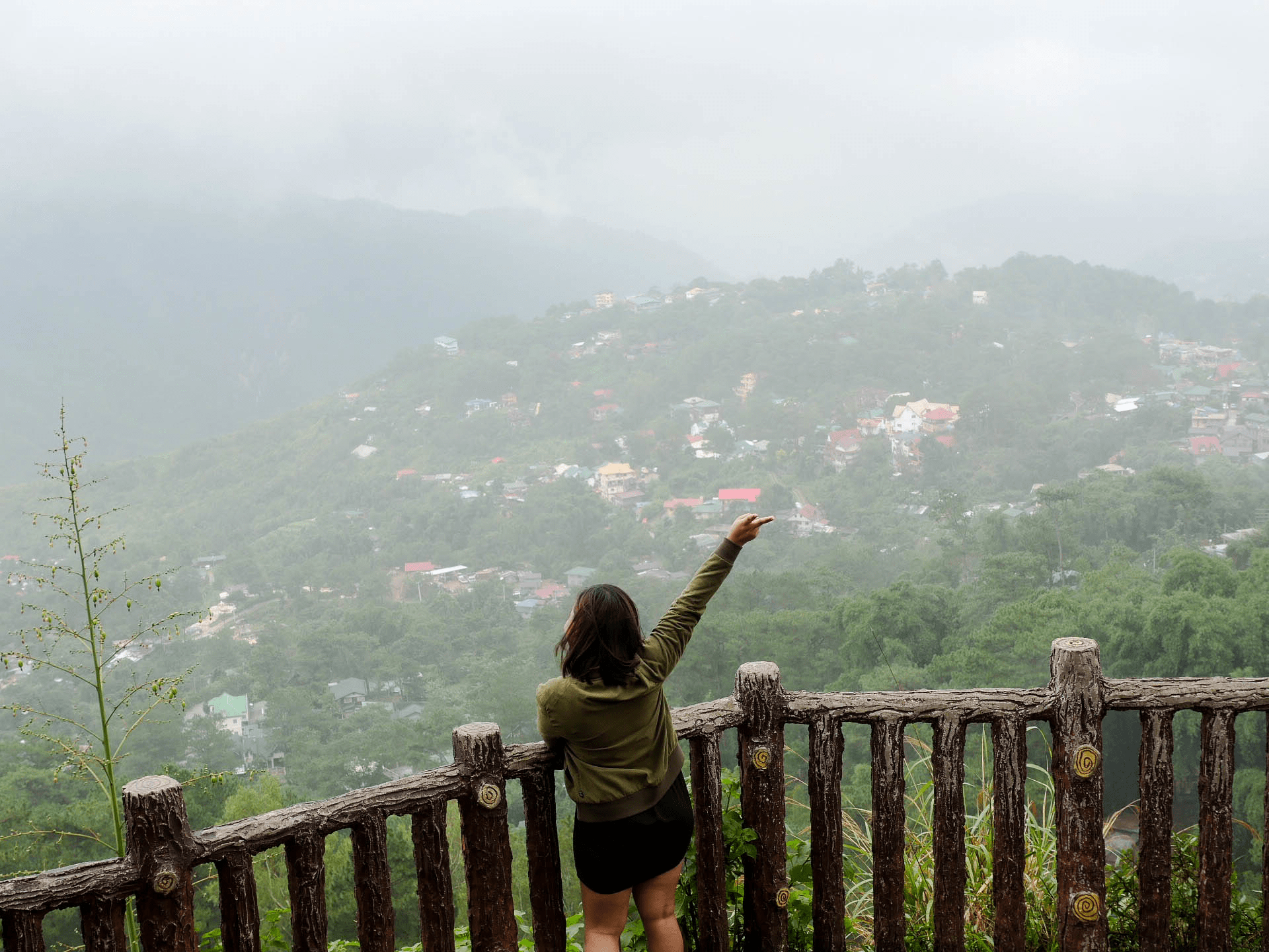 melody somido waving at valley observation deck Mines View Park baguio city philippines