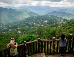 observation deck at Mines View Park in baguio philippines
