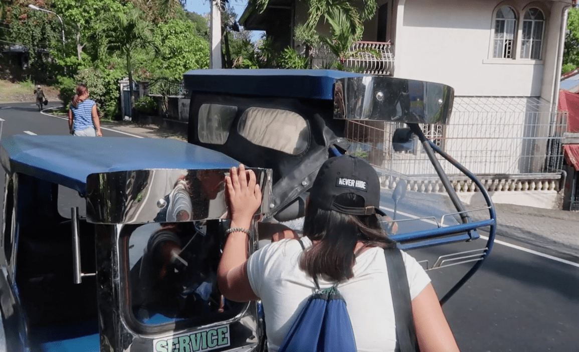 Negociating price with tricycle driver in the philippines